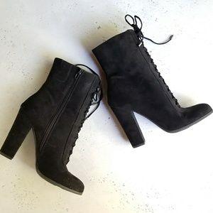 Carlos Santana Black Lace Up Boots - sz9